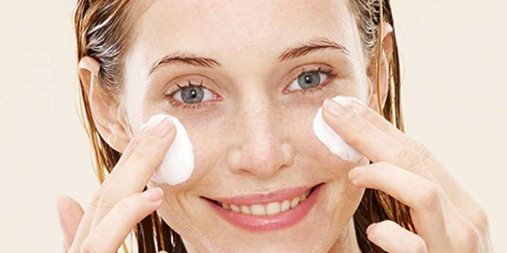 Как очищать кожу лица. Типичная ситуация