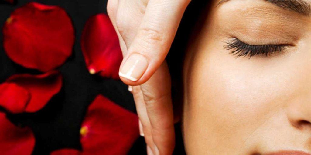Как очищать кожу лица? Освежитесь