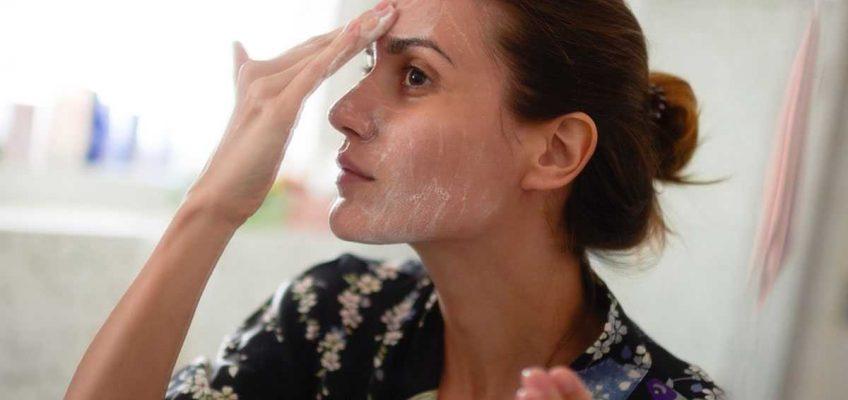 Как очищать кожу лица